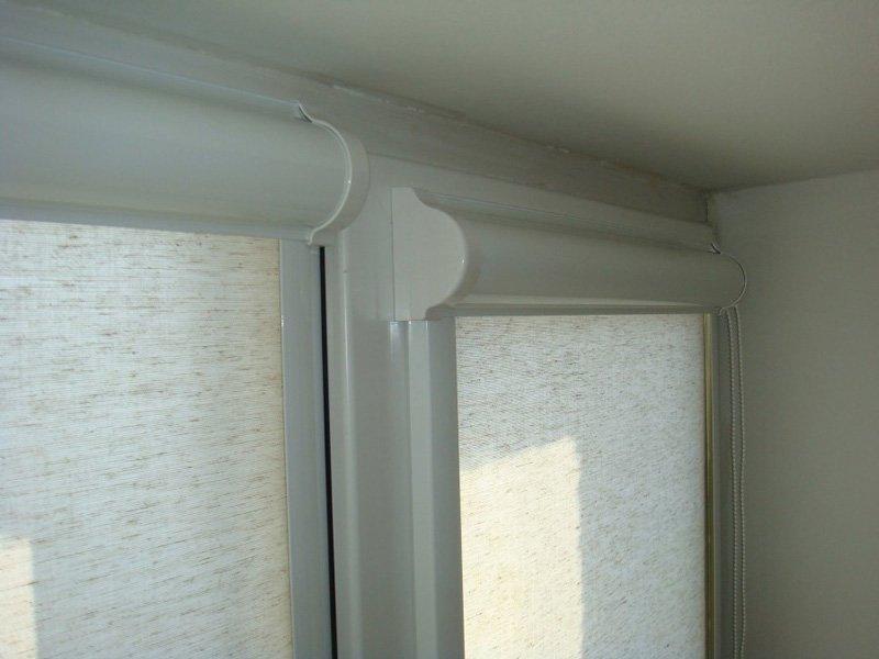 Кассетные рулонные шторы на пластиковое окно